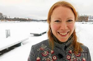 Att bilda en stor global kör av kvinnliga röster är Åsa Larssons sätt att inte fastna i en känsla av hopplöshet och maktlöshet inför en av vår tids största frågor: klimatförändringarna.