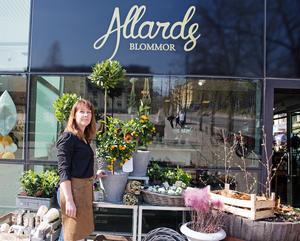 Sista veckan för Allards blommor vid Stora torget. Men namnet kan dyka upp i andra sammanhang framöver, menar ägaren Suzanne Nörgaard.