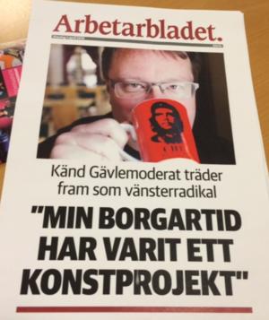 Arbetarbladets aprilskämt 2015. Den moderate riksdagsledamoten Lars Beckman deltog i ett skämt där han låtsades vara röd i själen och ett konstprojekt.