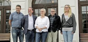Köpings styrande majoritet efter valet 2018 representerade av Andreas Trygg (V), Roger Eklund (S), Elizabeth Salomonsson (S), Ola Saaw (M) och Ann-Marie Düring (L).