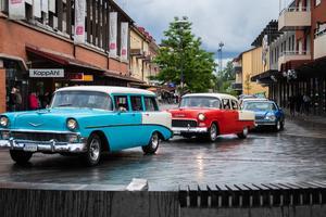 De centrala delarna av Sandviken intogs av äldre bilmodeller.