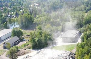 Verksamheten på Laxå bruksområdet är mest att betrakta som avfallshantering. Lokalbefolkningen har protesterat  mot verksamheten i många år. Foto: Privat