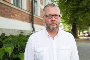 Moderata politikern Lars Stål är ordförande i det skandaldrabbade bolaget Faxeholmen.