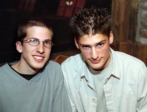 År 2002. Lorenz Aebi Schweitz och Christoph Rolh Schweitz på Konrad. Foto: Mikael Matsson