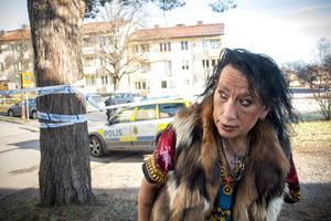 Elizabeth Parkkari var vaken när hon både hörde och såg explosionerna.