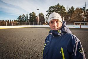 Vänsterpartiet i Bergs ordförande Lars Andersson säger att en höjning av politikernas arvoden med 25 procent är orimlig.