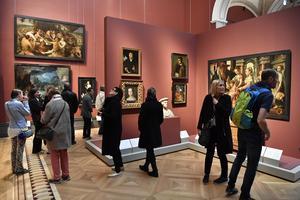 Det höga besökstrycket på nyrenoverade Nationalmuseum gör att kostnaderna blivit högre än beräknat. Arkivbild. Henrik Montgomery/TT