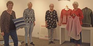 Ulla Brasch, Anna Östlund, Gun-Britt Udd och Doris Ruth är fyra av de 17 vävare som ställer ut på Borlänge bibliotek.