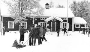 Hulistugan har varit en populär friluftsstuga i många decennier. Den här bilden är från 1980.