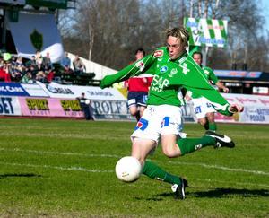 Lasse Nilsson i Bragetröjan 2001. På lördag är han tillbaka på Domnarvsvallen.