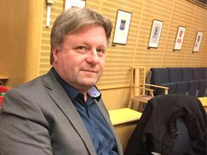 Ronny Edlund är utesluten ur Sverigedemokraterna. Han fortsätter som politisk vilde i kommunfullmäktige.