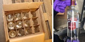 Tomma flaskor i bilden till vänster. Bilden till höger visar en flaska med de falska etiketterna på.