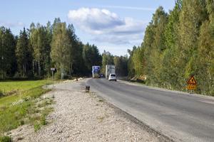Det är framförallt när stora och tunga timmerbilar kör förbi som huset skakar och vibrerar enligt Mats Olsson.