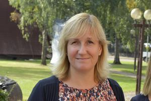 Anna Hed försvarar beslutet att ge kommunens ledande politiker möjlighet till friskvård tillsammans med kommunens personal.