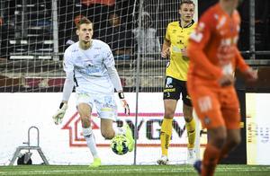 Tim Rönning tog plats i Elfsborg mål mot AFC Eskilstuna. Foto: Fredrik Sandberg / TT /