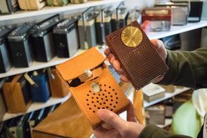 Regency TR-1 var den första transistorradion som kom ut på marknaden 1954. Naturligtvis finns modellen i Lars Jonssons samling.