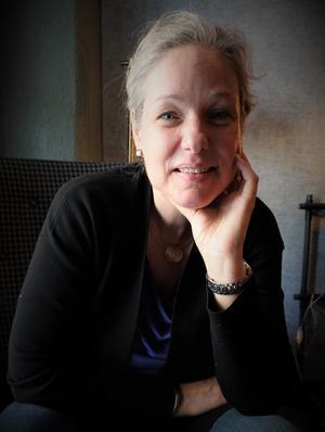 Isabelle van Keulen är både solist och leder dessutom orkestern från konsertmästarplatsen. Foto: Kerstin Monk