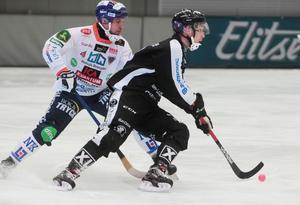 Säfström reste sig på åtta och fullföljde matchen.