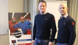 Erik Tyldhed och Fredrik Molander, Gästriklands Ishockeyförbund, ledde arbetet i den strategiska workshop där distriktets ungdomsföreningar samlades för att diskutera Gästrikemodellen. FOTO: GÄSTRIKLANDS ISHOCKEYFÖRBUND