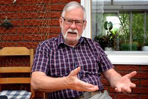 Per-Erik Hedman i Sundsvalls asylkommitté har lämnat in flera anmälningar till advokatsamfundet eftersom han inte tycker att advokaterna tar sina asylsökande klienter på tillräckligt stort allvar.