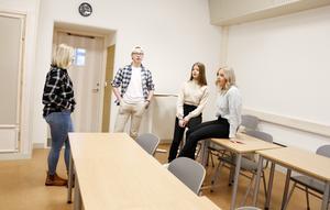 Julia Walseth, Hjalmar Westman, Tilda Moberg och Julia Molund går alla samhällsprogrammets andra årskurs på Wargentinsskolan. De tycker att deras skolarbetsmiljö försämrats sedan bytet till det nya huset på Campus.