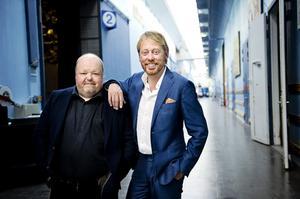 Tronskifte i underhållningsfabriken. Kalle Moraeus tar över efter Peter Settman.
