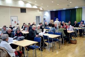 Cirka 40 personer dök upp på måndagens diskussionsmöte om ett eventuellt namnbyte på kommunen.