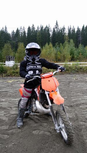 Med sina 7 år var Moa Nordahl från Borlänge den yngsta deltagaren i lördags. Foto:Gunne Ramberg