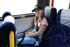 Matilda Lundgren i Skärmartorp kommer hem tidigare med skolbussen efter den 6 november.