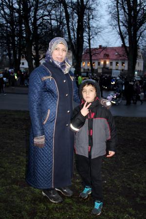 Rana och Gith Ammes Soliman kom till Sverige och Gävle  i år och var med på sin första bockinvigning. Rana Soliman, lärare i Syrien, hade fått höra om Gävlebocken på SFI och ville gärna delta i invigningen.