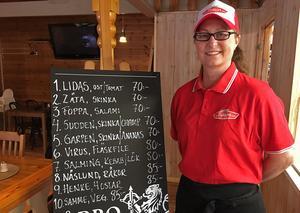 Pizzamenyn  hedrar hockeyspelare på olika sätt. Utöver pizza kommer det i sommar också serveras bland annat pastarätter, smörgåsar, och sil- och laxtallrik.