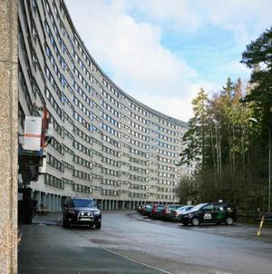Det färdiga resultatet i Täby. Upplevelsen av den byggda miljön skiljer sig påtagligt från den vision Sune Lindström hade. Foto: Leif Jonsson