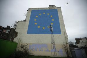 Brexitmålningen uppfördes av Banksy 2017. Arkivbild. Matt Dunham/AP/TT