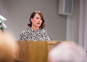 Kommunalråd Ulrika Liljeberg (C) menar att det är en bra affär för Leksands kommun att köpa istid av Leksands IF.