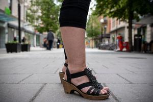 Kristina Viséns byxor ser inte ut som vanliga tights.