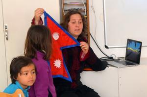 Inka Gurung, som driver Far Away Adventures, arrangerar resor till Nepal, Tibet, Buthan och Indien.  Ett av hennes stora projekt syftar till att stärka och ge framtidstro åt unga nepalesiska kvinnor – genom att utbilda dem till äventyrsguider.