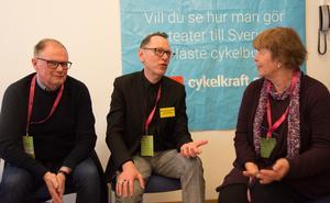 Samtal under Scenkonstbiennalen: Håkan Nordman, kultursekreterare i Sundsvall, Rolf Nielsen från Mittiprickteatern och Ann-Marie Engel från Region Stockholm.