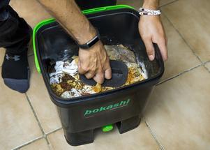 Att kompostera matavfall ska även fortsättningsvis löna sig, enligt Vafab Miljö som ändrat sitt taxeförslag.