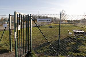Sedan tidigare finns en hundlekgård i Kungsör. Det blev dock tummen ner i kommunstyrelsen för en liknande i Valskog.