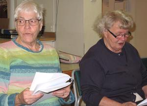Birgitta Davidsson och Sirkka Riesser gillar att sjunga i kör. Bild: Margareta Eriksson