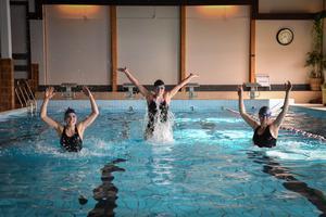 Tack vare EU-stödet är det flera personer som jobbar med simskolan. Foto: Privat