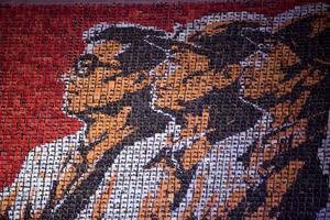 Färgade pappersark bilder de mest fantastiska mönster under Arirang-spelen i Nordkorea.
