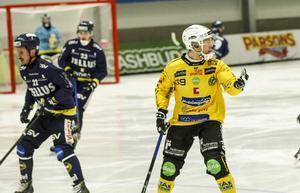 Linus Forslund gjorde två mål för Broberg – det första kom redan efter 29 sekunders spel.