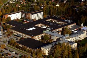 Det är inte helt enkelt att starta upp förlossningsavdelningen i Karlskoga på nytt.