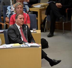 Stefan Löfven sätter krokben för sig själv när han förnekar sanningen om hanteringen av Försäkringskassans generaldirektör Ann-Marie Begler.