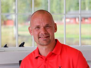 Peter Forsgren, tränare och instruktör, kommer att hjälpa de som vill pröva på swingstudion under lördagen.