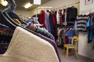 Pernilla Piilonen har tagit för vana att i första hand shoppa begagnat.