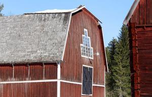 Efter takraset hotade byggnaden att falla samman och därför förstärktes den upp med kraftiga limträbalkar.