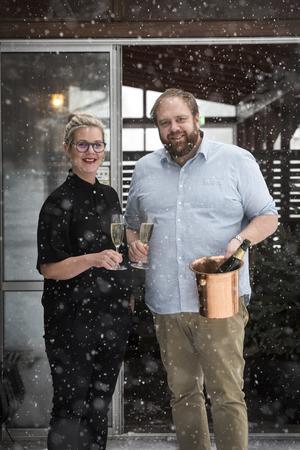 – Restaurangerna är vårt liv och vår familj, säger Linn som driver Sjövillan och Bruntegården tillsammans med maken Magnus.