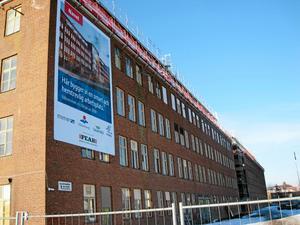 Byggnaden vid Björnövägen byggs nu om för att bli kontor åt bland andra Mimer och Mälarenergi.